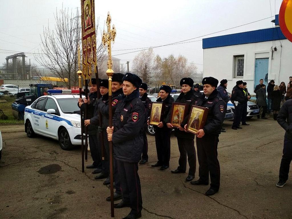Крестный ход ГИБДД в Краснодаре, на опасном участке движения, 18 ноября, 2017-го г.(5-1024)
