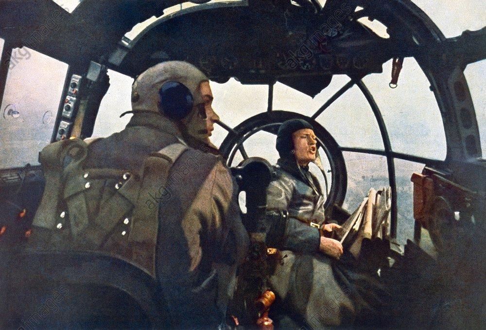 2.Wk., dt.Bomber,Einsatz gegen England - Cockpit during a mission / 1940 -