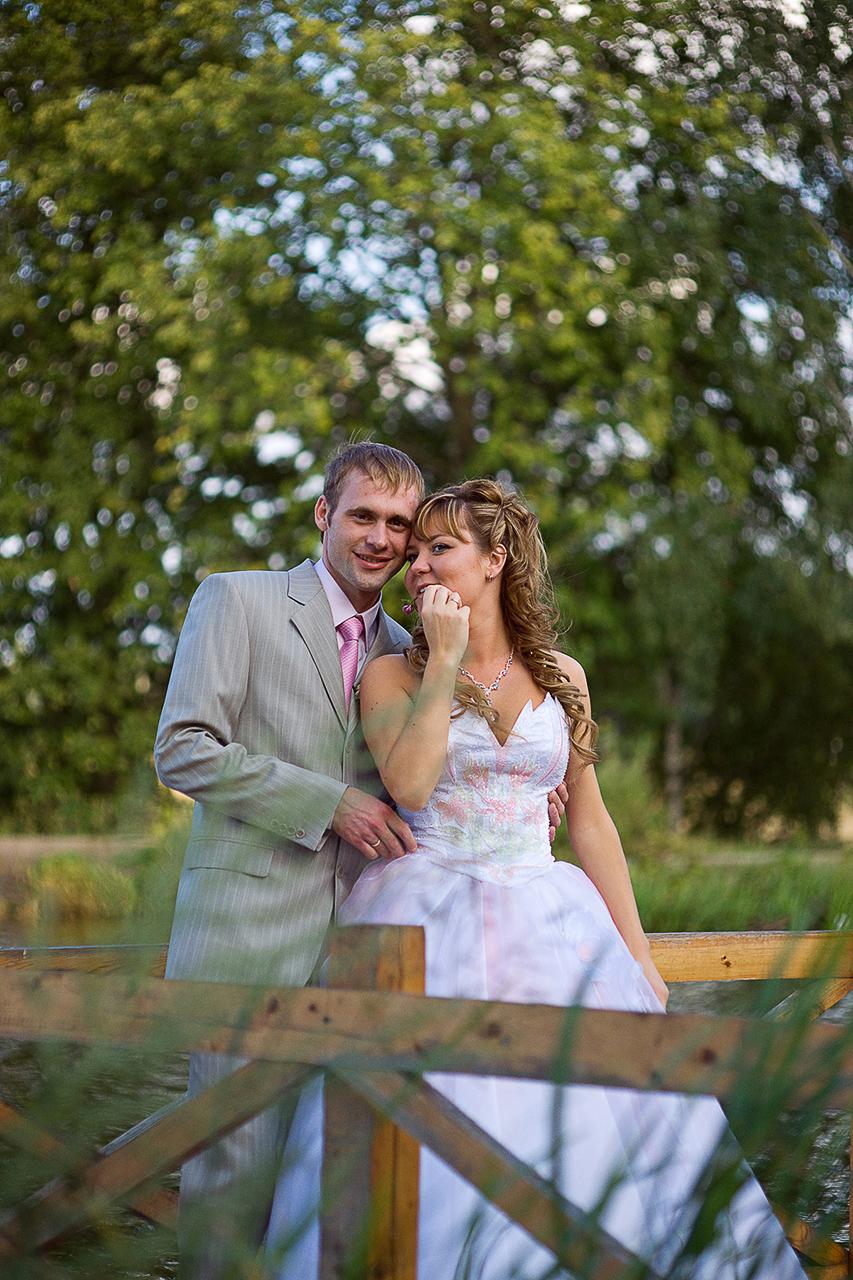 Минимальное время которое требуется для свадебной фотосессииэто хотя бы два часа.