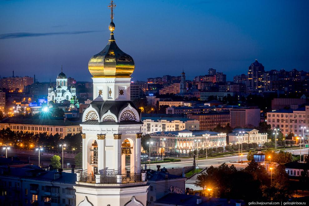 32. «Большой Златоуст» с 16-тонным главным колоколом расположен на пересечении улиц Малышева и 8 мар