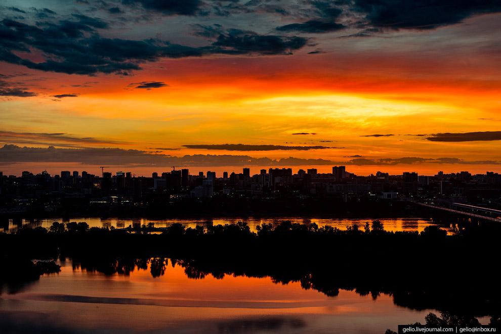 53. Панорама правого берега.  Кликабельно: