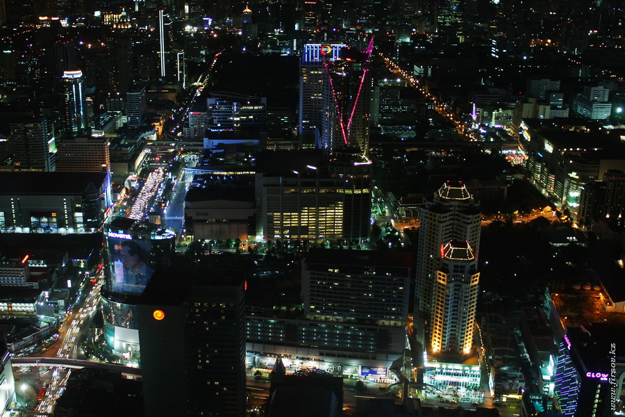 Bangkok_night3_zps14629879.JPG