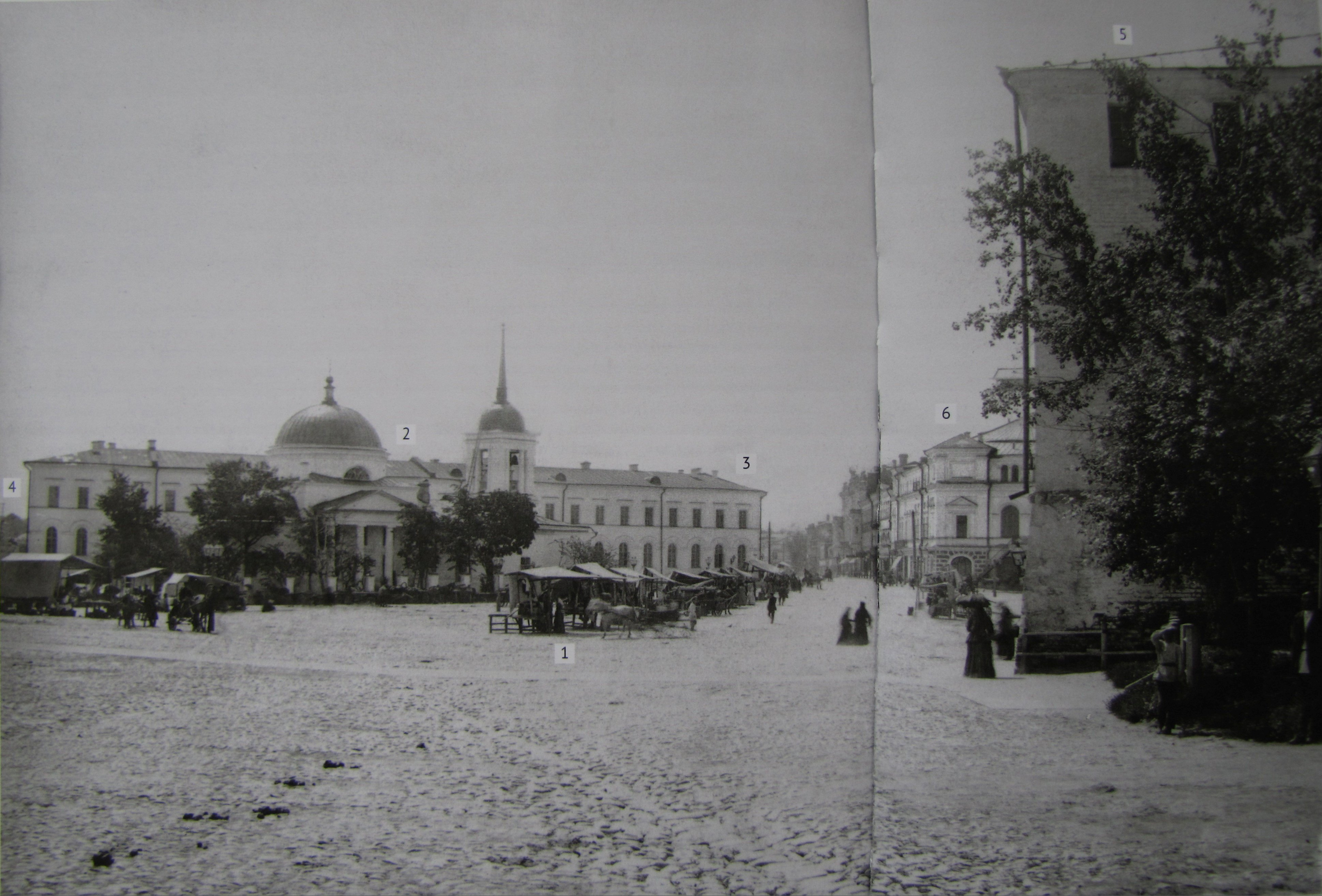 Базар на Благовещенской площади