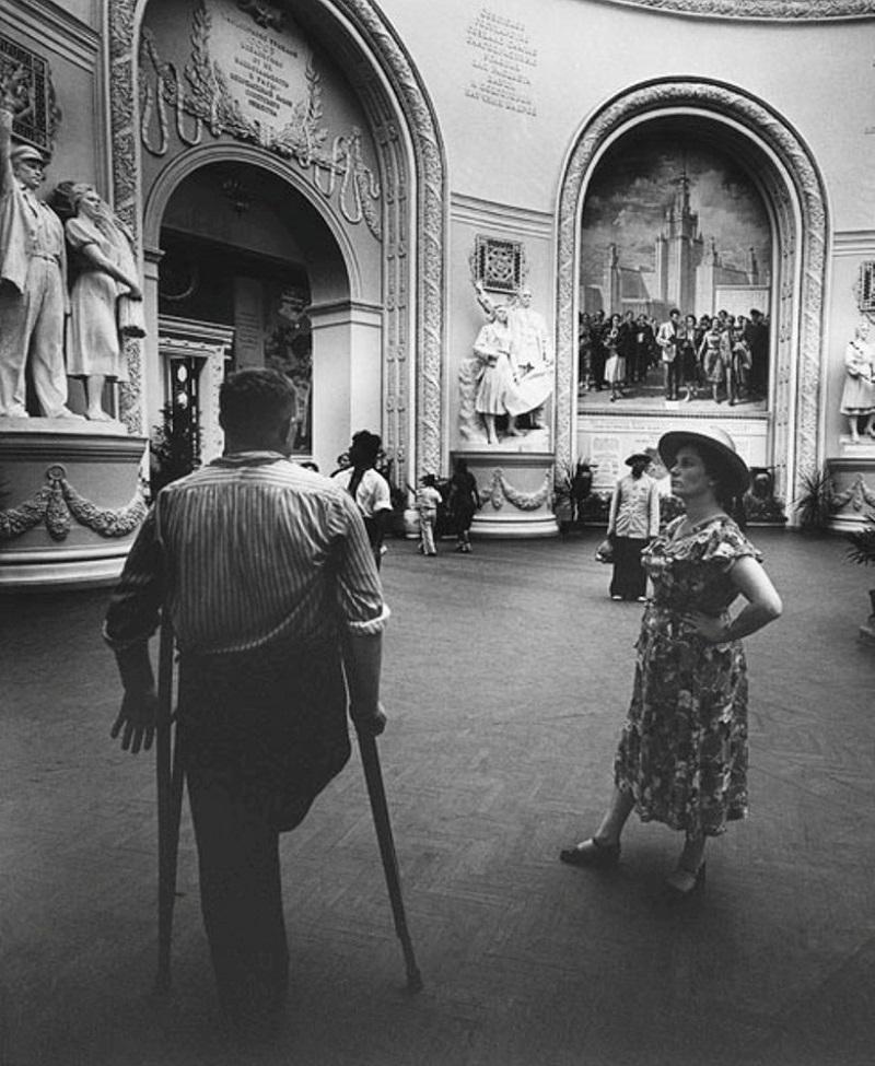 В московском метро, 1955