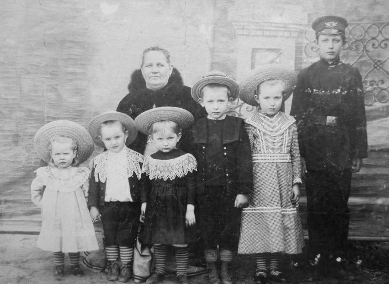 Семья Мутовкиных