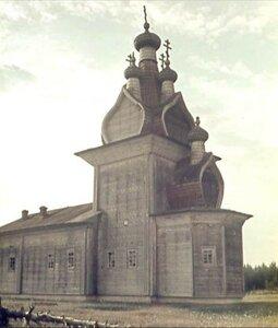 Окрестности Пинеги. Село Едома. Никольская церковь