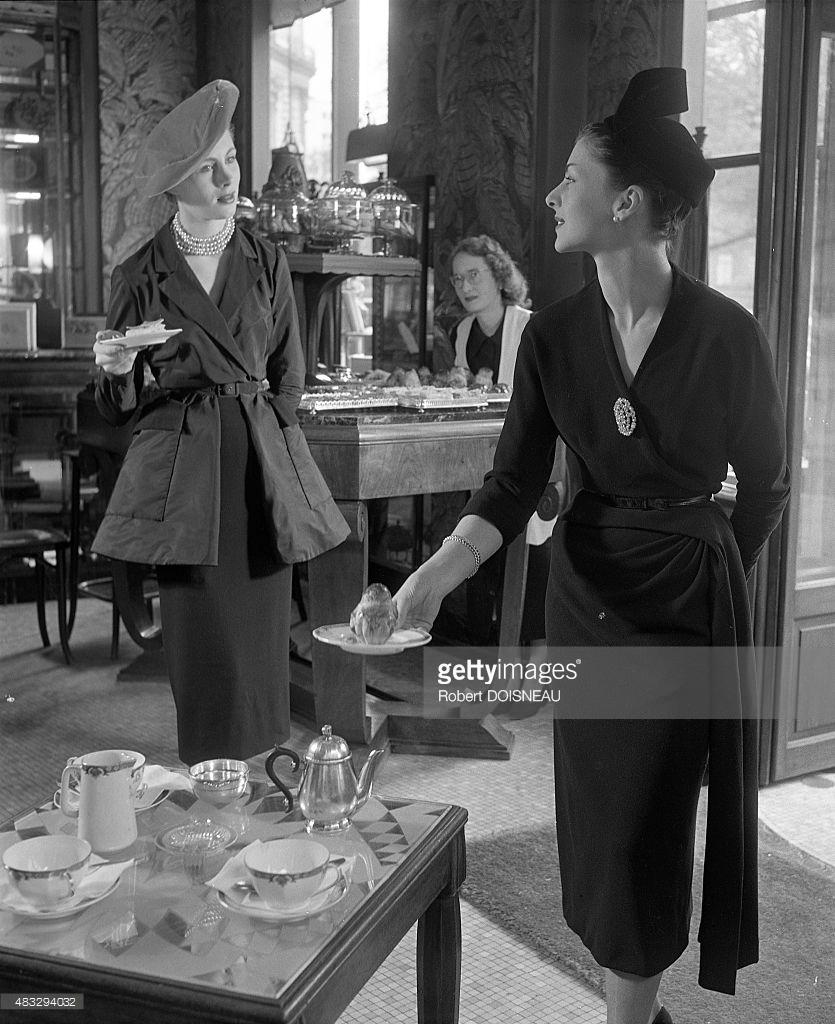 1950. Платье и куртка, разработанные Кристобалем Баленсиага во время фотосессии для журнала Vogue