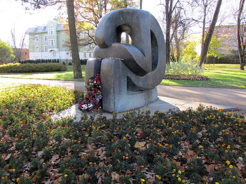Памятник в Царском селе. Сидур