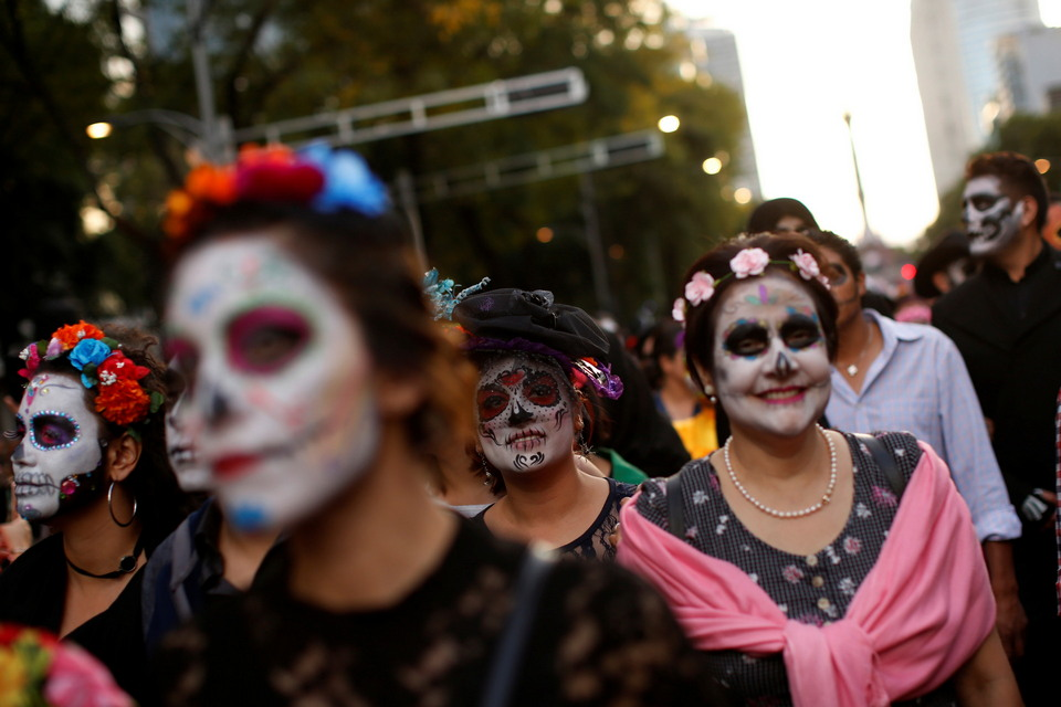Парад Катрины ко Дню мертвых в Мексике