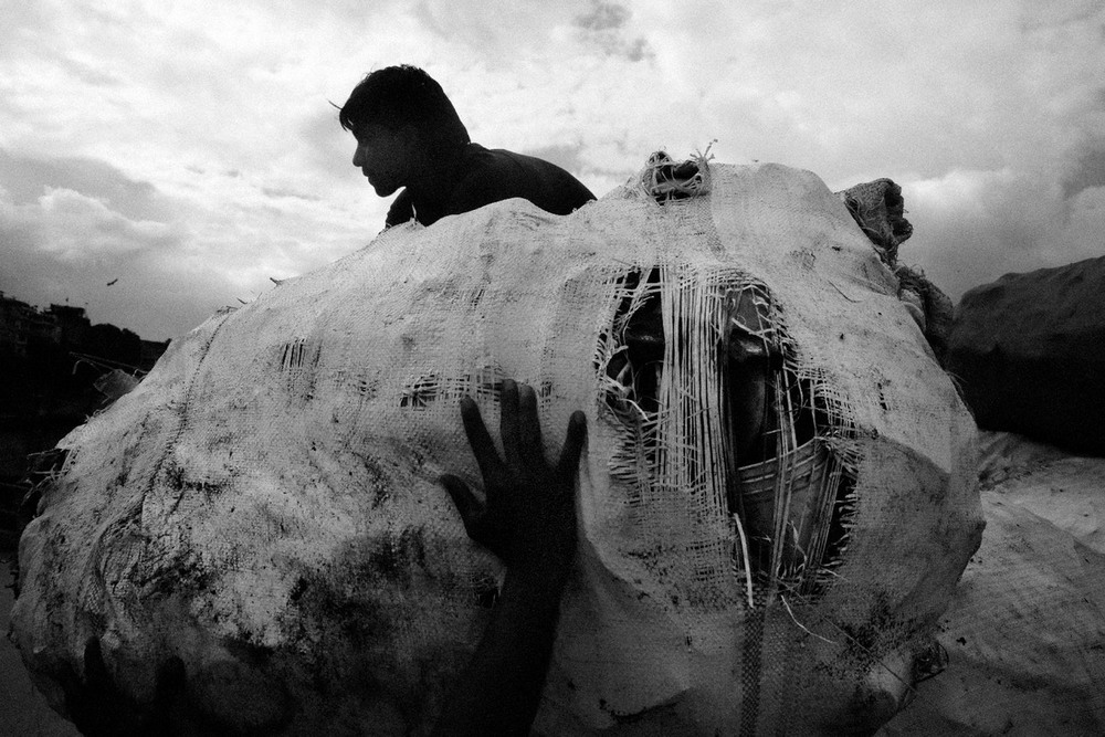 Как непальцы священную реку засрали