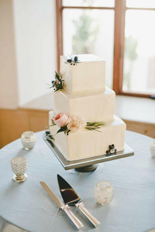 0 17830b a62c823a XL - Красивейшие свадебные торты сезона 2017-2018