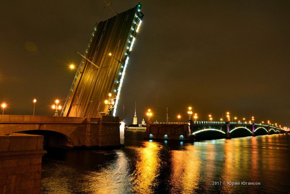 7. Классический вид Дворцового моста: