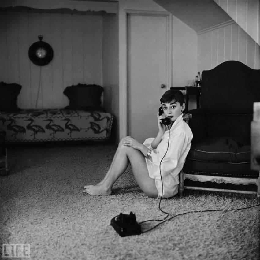 Автор фото: Марк Шо (Mark Shaw), 1954. 25-летняя звезда «Римских каникул» Одри Хепберн.