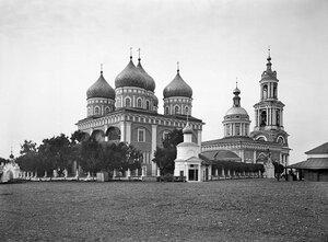 Покровский собор и собор Троицы Живоначальной