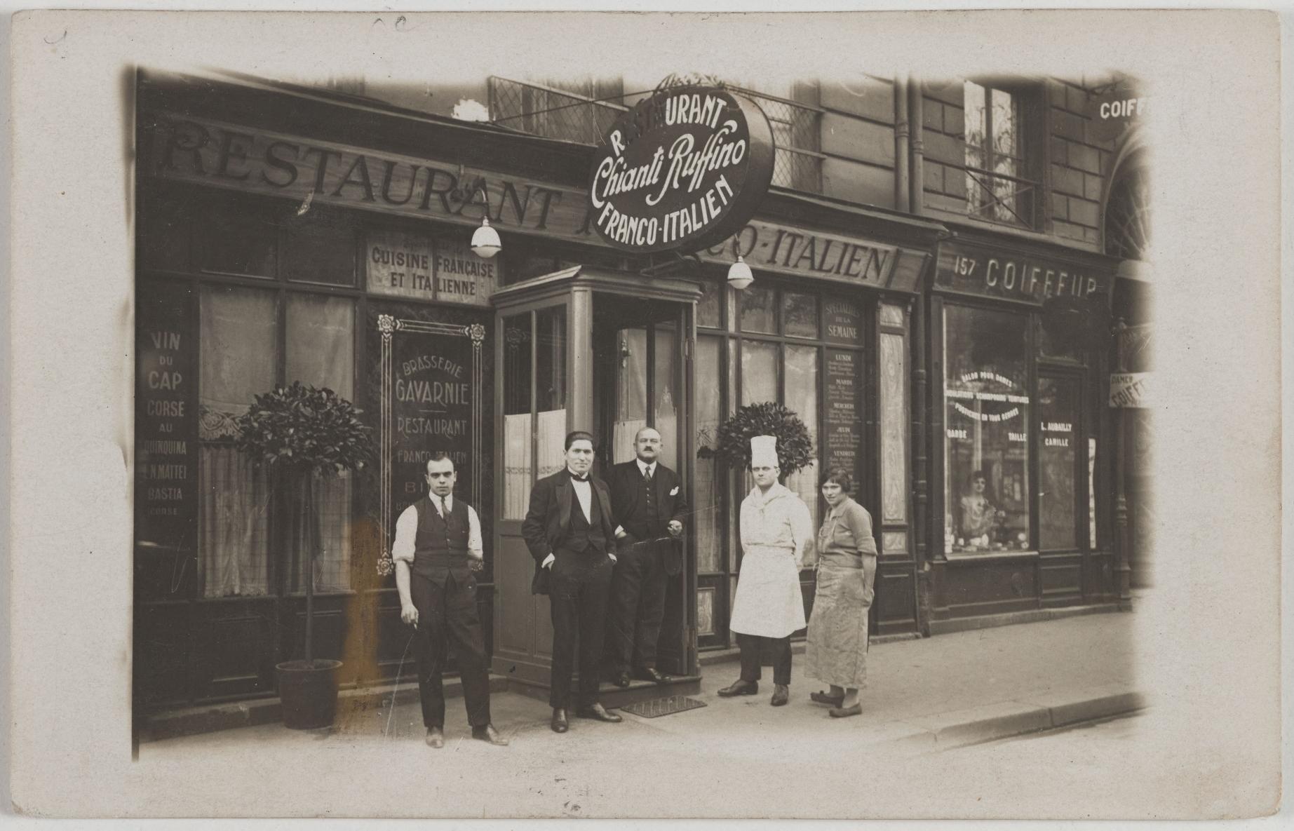 1919-1922. Брассери Гаварни, франко-итальянский ресторан, 155 Boulevard Saint-Germain (7-й округ). Сейчас на этом месте Cafe Louise