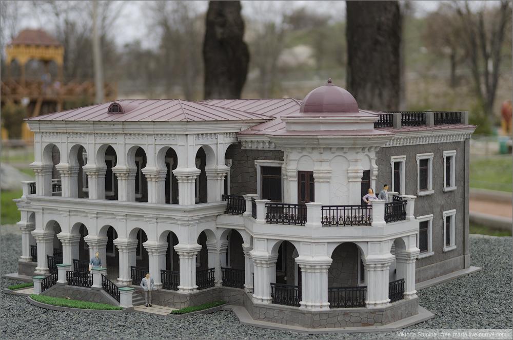 Дача купца Стахеева в Алуште. Бахчисарай, парк миниатюр.