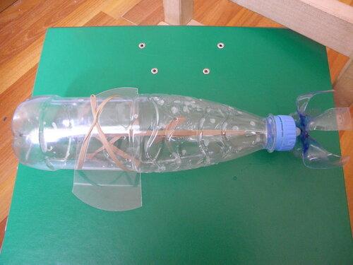 Рыбацкая лодка из пластиковых бутылок