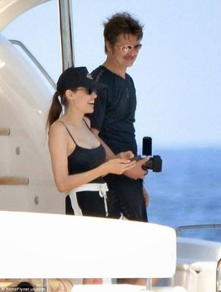 Фотографии медового месяца Анджелины Джоли и Брэда Питта 0 11e92e 27191790 orig