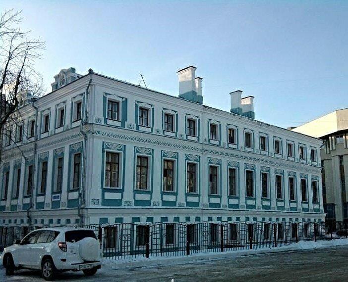 Здание «Магистрата» (позднее «Мещанской управы») было построено в конце 1769-х – начале 1770-х гг. как жилой дом купца-фабриканта С.А. Савостьянова.