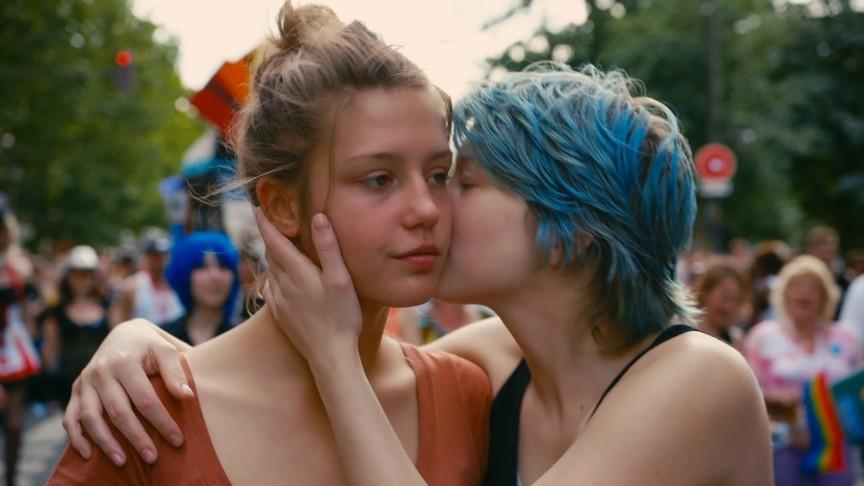 2. «Жизнь Адель» повествует о юной девушке Адель, которая исследует природу своего сексуального жела