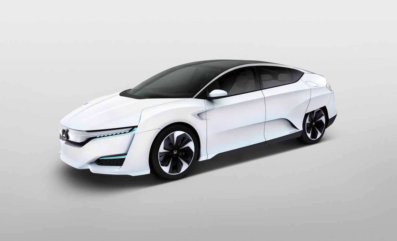 Vodorodnoe-toplivo-na-novom-koncepte-FCV-ot-Honda-9-foto
