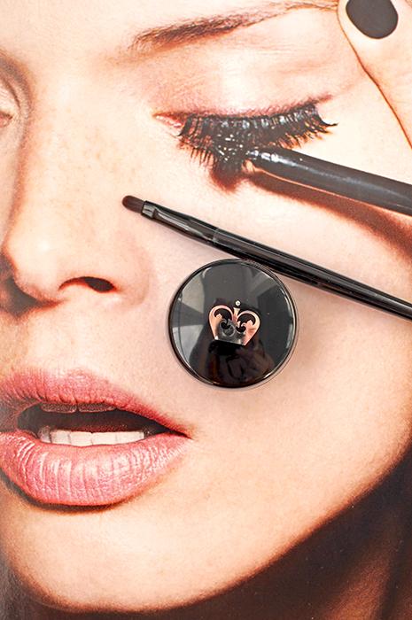 тени-Rimmel-London-GlamEyes-HD-Eye-Shadow-021-Golden-Eye-подводка-гель-Scandaleyes-Waterproof-Gel-Eyeliner-отзыв-review-swatch8.jpg