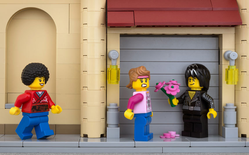 Сюжеты Lego на граффити