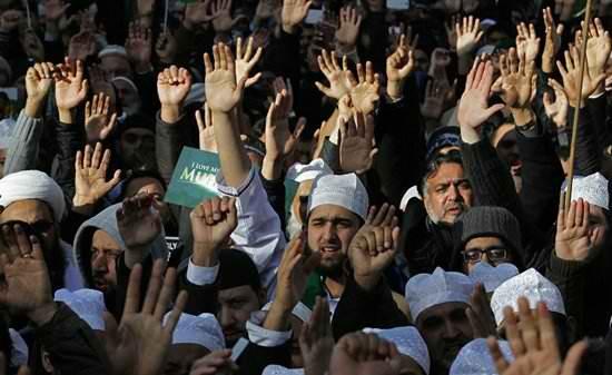 Лондонистан: 423 новых мечети, 500 закрытых церквей