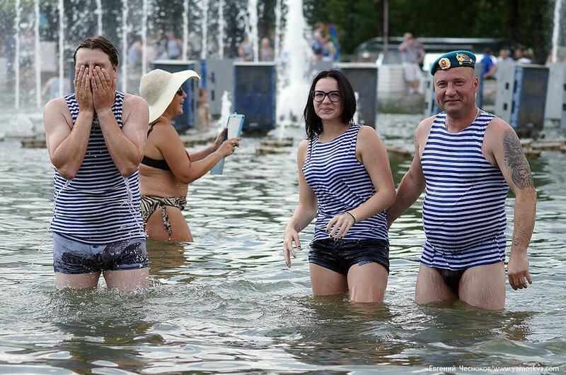 Лето. Парк Горького. ВДВ. фонтан. 02.08.16.05..jpg