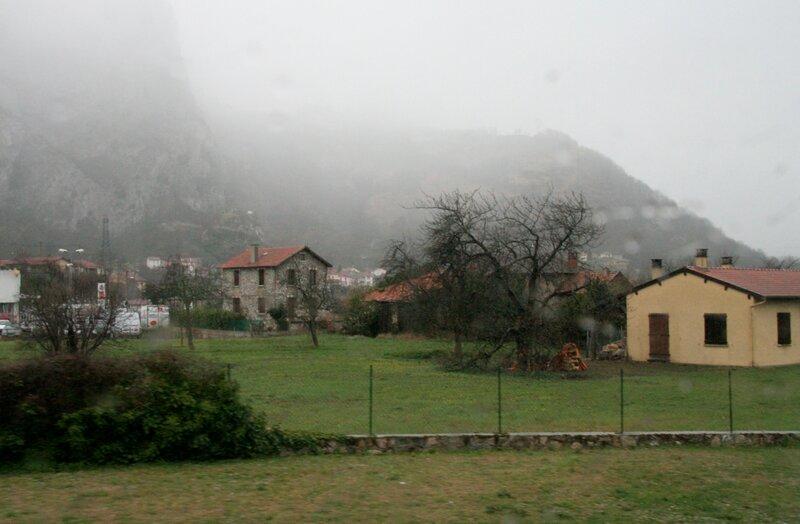 Французская деревня в предгорьях Пиренеев