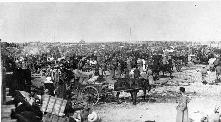 1919. После эвакуации Одессы. Беженцы с женщинами и детьми