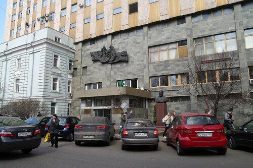 Клиники на Пироговке