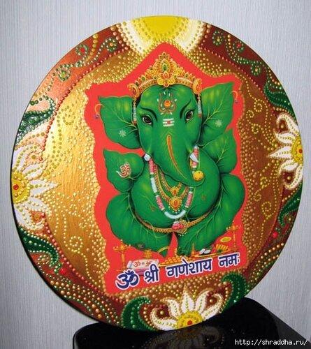 Расписана вручную художницей shraddha