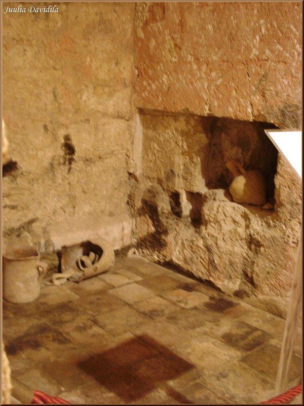 La Almudaina. Средневековый туалет.