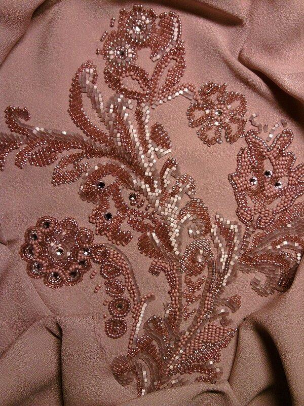Вышивка бисером и бусинами на одежде