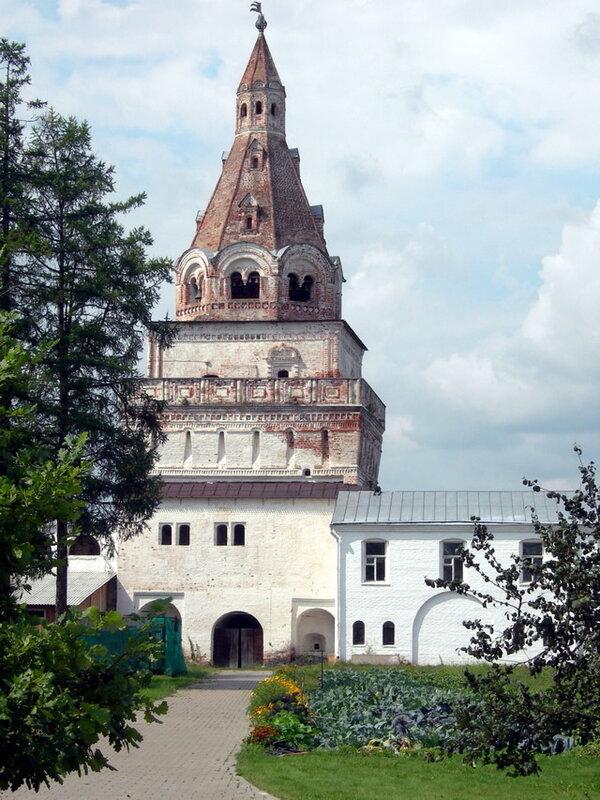 Башня №1, Иосифо-Волоцкий монастырь волоколамск россия москва крест православие церковь храм церковная служба фото фотки апарышев.
