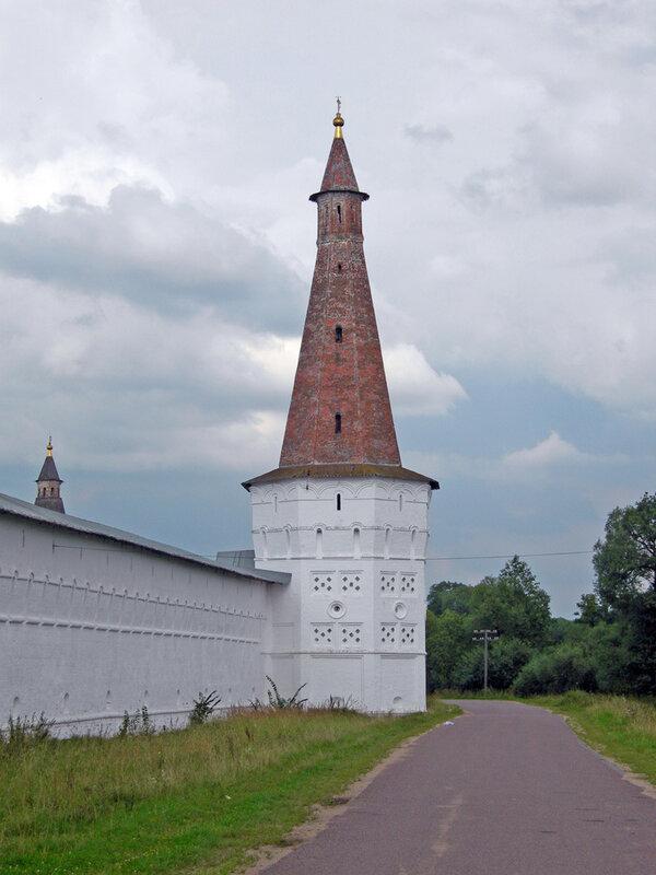 Башня №3, Иосифо-Волоцкий монастырь волоколамск россия москва крест православие церковь храм церковная служба фото фотки апарышев.