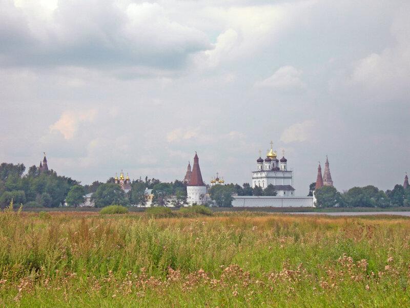 Панорама монастыря, Иосифо-Волоцкий монастырь волоколамск россия москва крест православие церковь храм церковная служба фото фотки апарышев.