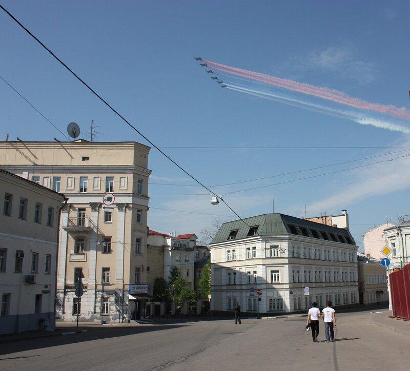 Хитровская площадь. 9 мая 2010
