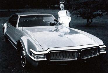 Oldsmobile Тoronado: классика жанра