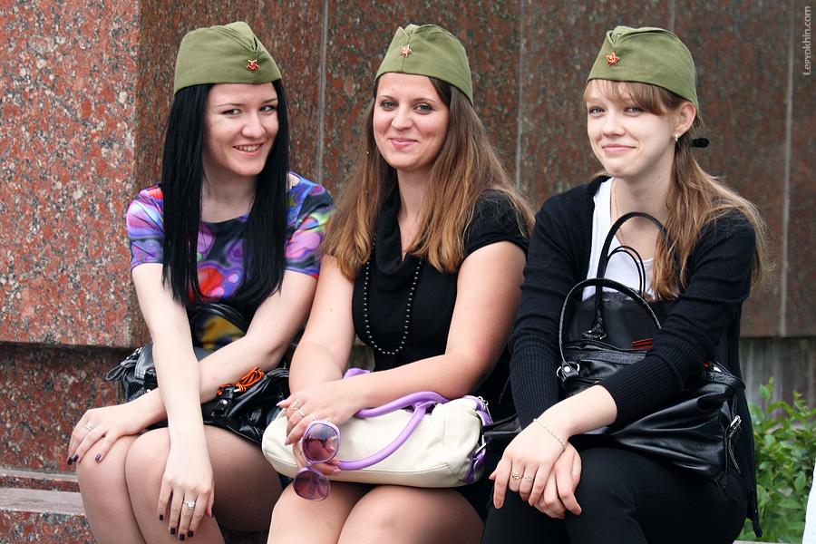 фото девушек с пилотками фото