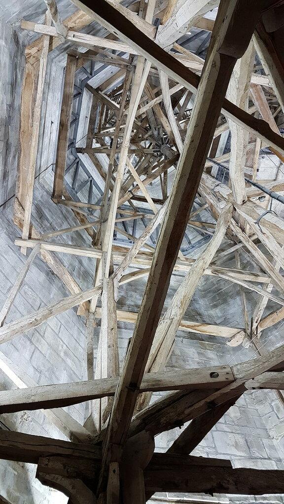 Salisbury_Cathedral_Spire_Interior.jpg