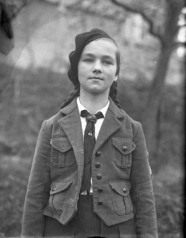 c986f62e5b299291cf3665489d5e4eab--german-girls-hitler-youth.jpg