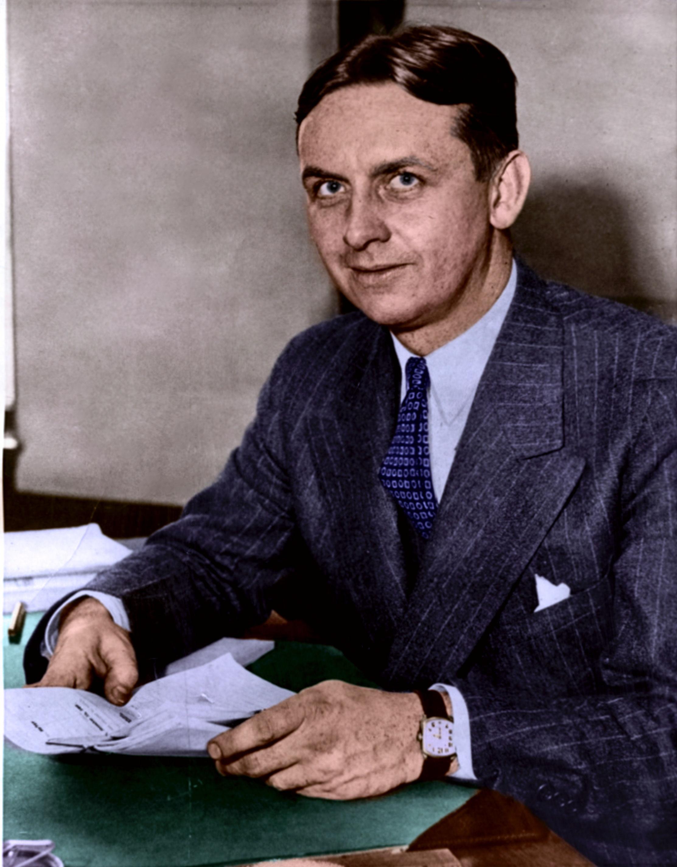 eliot-ness-november-17-1937.jpg