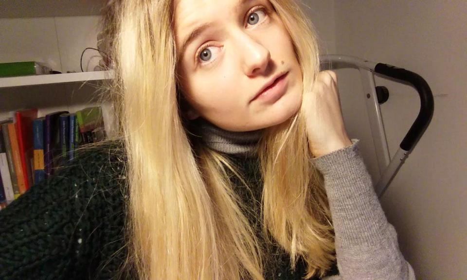 18-летняя модель продает девственность через аукцион, чтобы купить родителям дом и оплатить учебу модель, 18летняя, потратить, переезд, Великобританию, купить, родителям, помочь, сестре, учебу, оплатить, Кембриджском, университете, наивысшая, ставка, вскрытие, лохматого, сейфа, хочет, средства