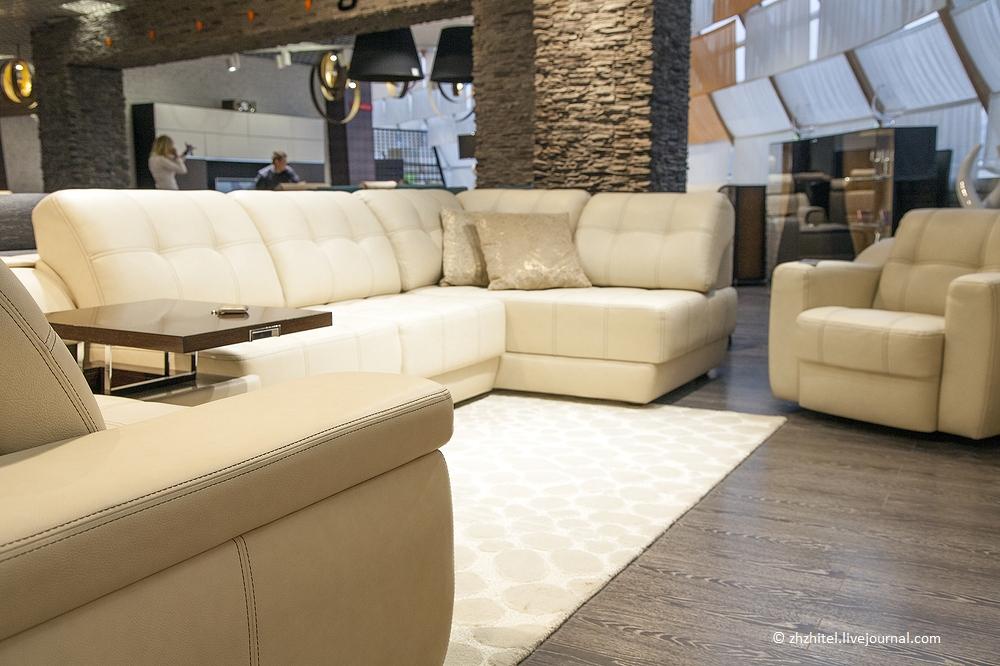 Диван по цене квартиры: сколько стоит современная мебель?
