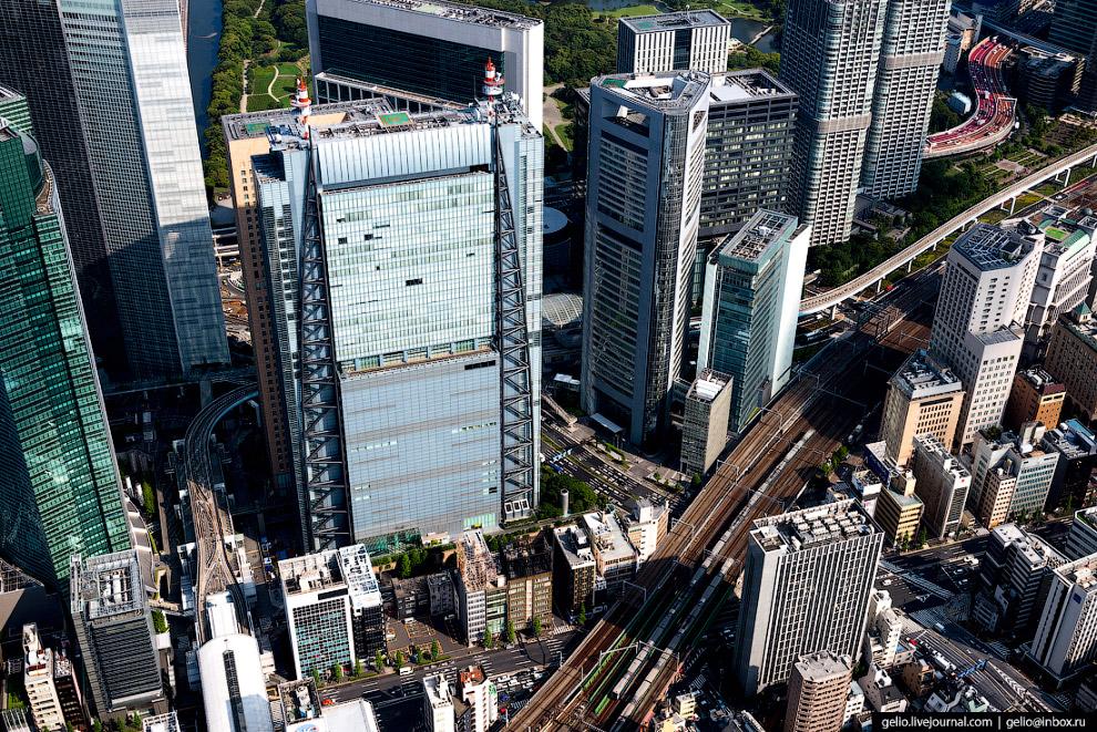 48.  Станция Синдзюку (Shinjuku Train Station)  в одноименном административном и комм