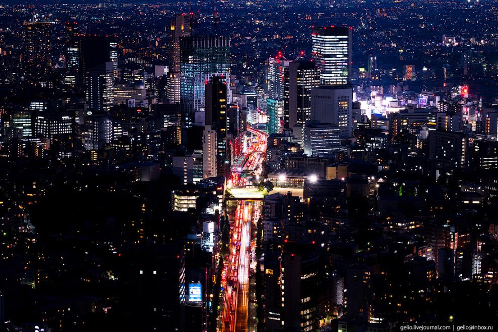 58. Кардинально перестраивать систему магистралей в Токио начали к Олимпиаде-1964. Автотрассы в этом