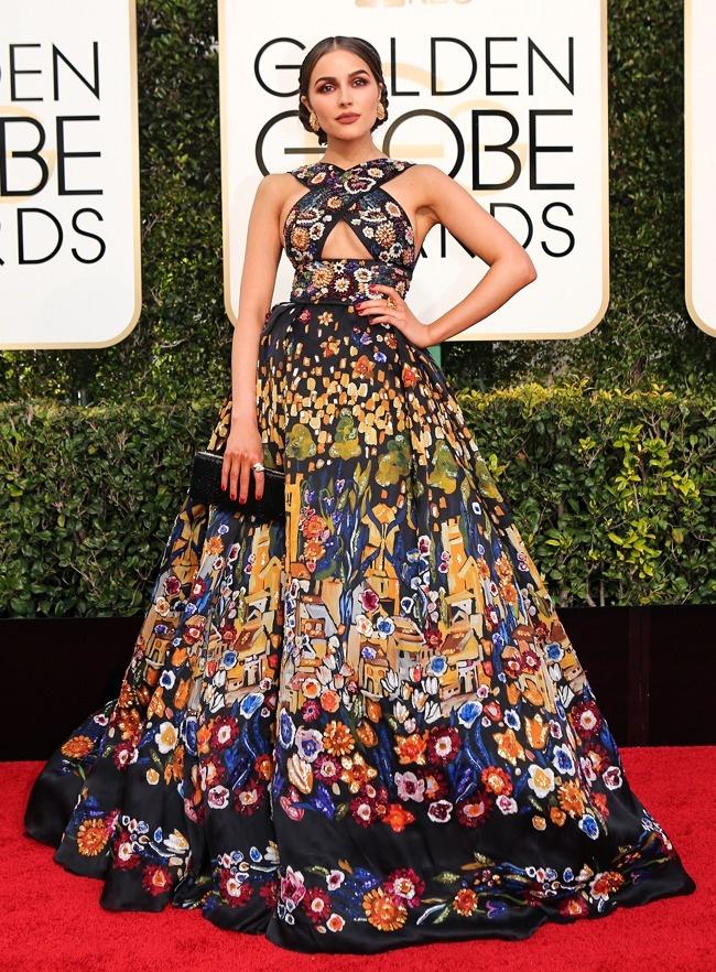 © Mike Blake/reuters     Вот втаком платье появилась мисс Вселенная— 2012на вручении п