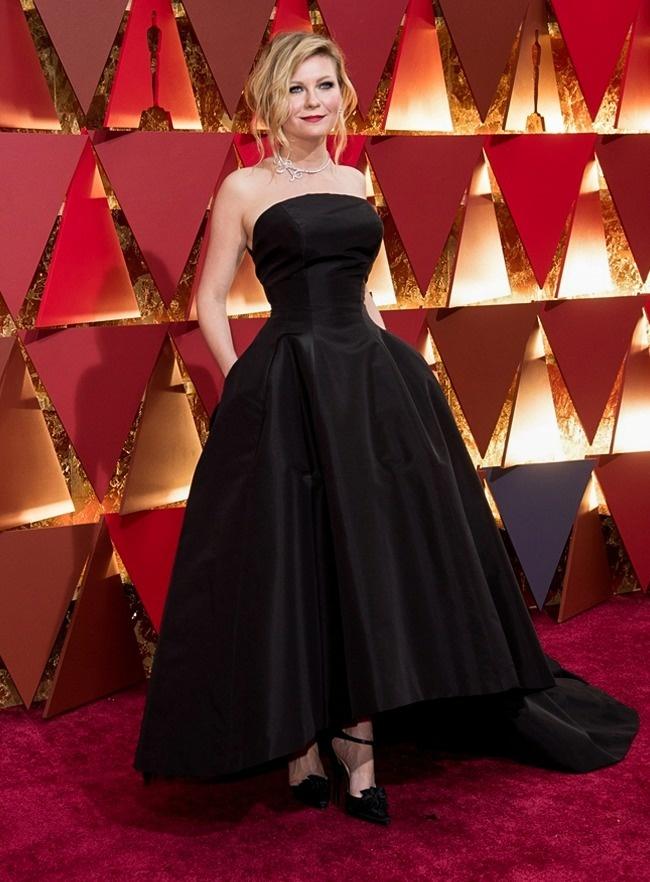 © LFI/Avalon/REPORTER     Кирстен Данст явилась нацеремонию вручения премии «Оскар» вкл
